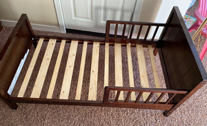 Toddler bed, Color espresso