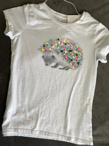 CAT & JACK white T-Shirt with Hedgehog Size 10-12
