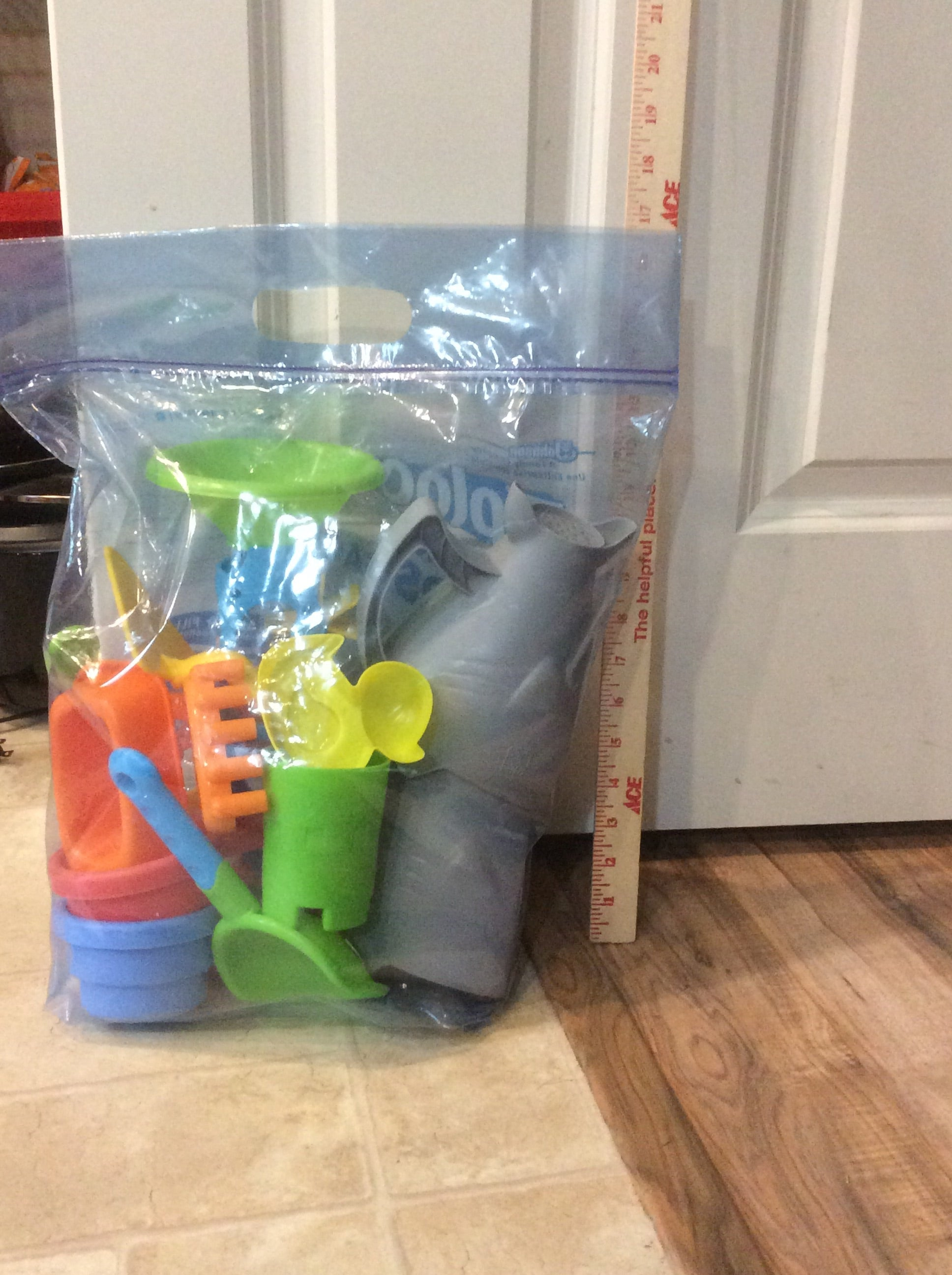 Large Bag of Sand & Water Table toys. 12+ pieces!