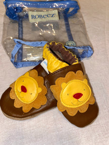 Robeez NEW genuine leather baby shoes w/ lions;6-12m