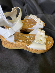 FADED GLORY White Sandals with flower strap, Toddler girls size 8