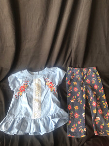 2 pcs.  LITTLE LASS.  Short Sleeve with Capri Pants. Blue Shirt with Flowers.  Matching Flower Capri Pants.  Szie 4T