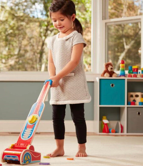 MELISSA & DOUG *NEW Wooden Vacuum Cleaner