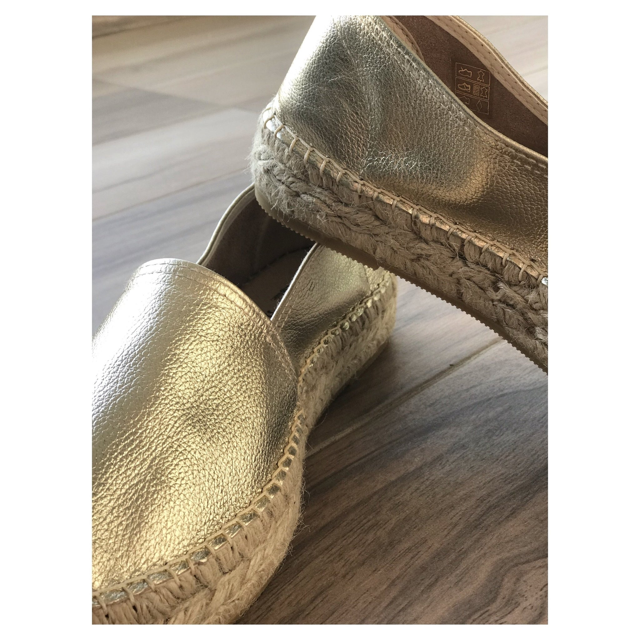 GRAFFITO GOLD ESPADRILLES.