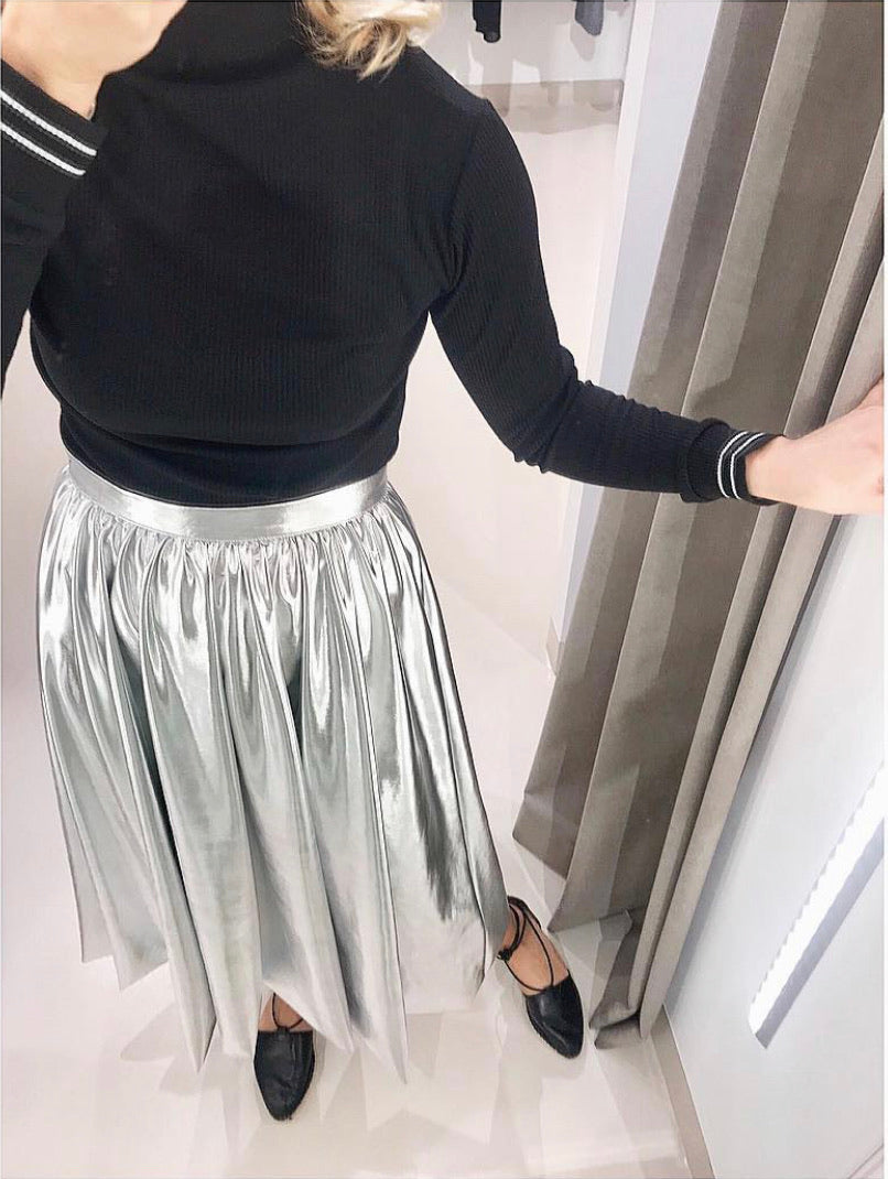 METALLIC SKIRT.