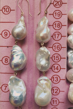 Load image into Gallery viewer, Triple Baroque Pearl Drops