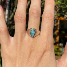 Load image into Gallery viewer, Mintabie Aussie Opal