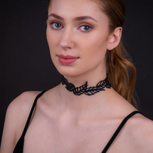 Spring Vegan Black Leaf Choker
