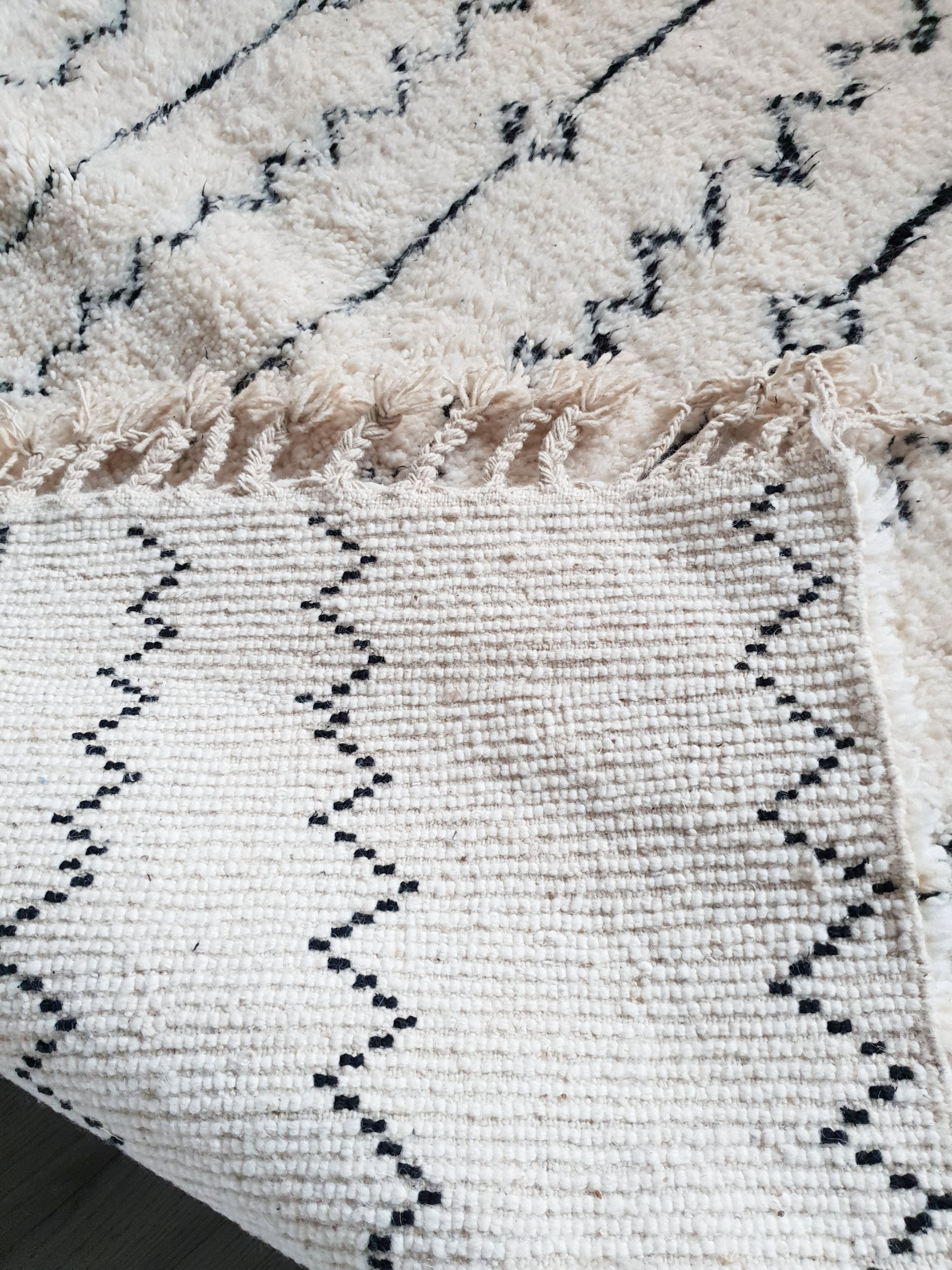 Hand knotted beni Ourain rug LAMIYA