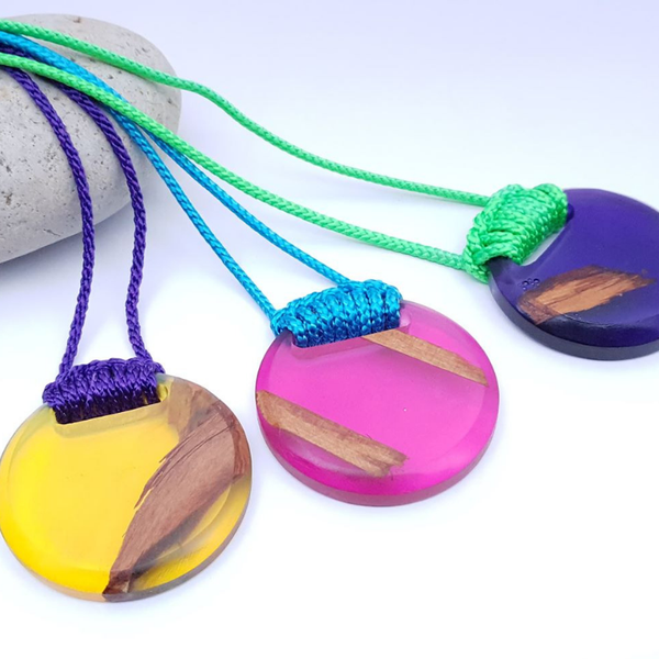 Circle Statement Necklace in Resin+Wood