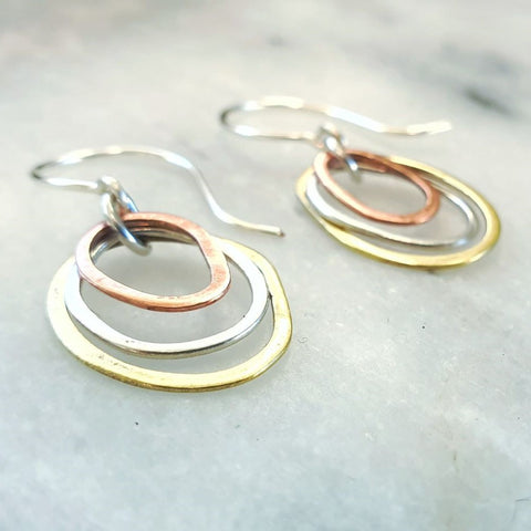Mini Pebble Trio Earrings Gold