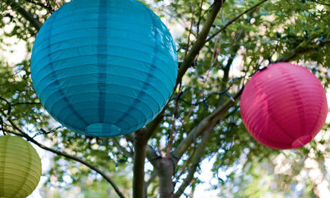 Mixed round paper lanterns