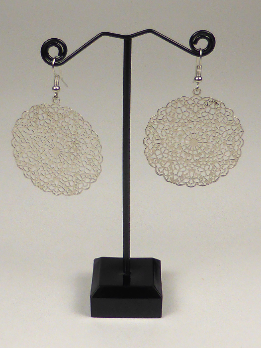 Plain polished hanging drop gold silver earrings oorbellen for ear lobes with hook ear wire anti-allergic nickel free lead cadmium free nikkelvrij chroomvrij cadminumvrij brass messing jewelry jewellery light weight comfortable ethnic Indian tribal boho bohemian hippy vintage ornate antique feminine elegant casual party gift present flower floral disc