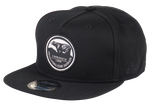 Load image into Gallery viewer, King Cobra Store Snapback Baseball cap Carbon 212 in Twill flat brim flat visor squared visor in black wine bordeaux stitched eyelets 5 panel high shape front panel adjustable PVC closure to fit all one size round embroidered grizzly bear patch logo