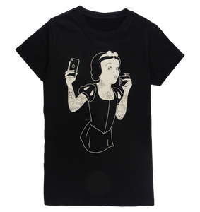 Cotton woman sleeveless tank top with racer back in black color with a unique King Cobra Store design inspired by Walt Disney Snow White and the seven Dwarfs animated fantasy film eating an apple and taking a selfie parody tattoo tattooed Snow White Sneeuwwitje Blanche Neige Schneewittchen