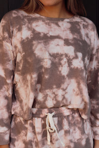 NEUTRAL TIE DYE LOUNGE TOP