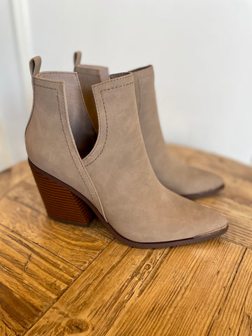 WALK THIS WAY SILVER TOE BOOTIE