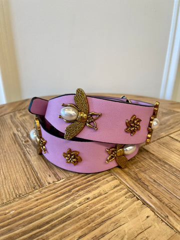 QUEEN BEE CLASSIC STRAP IN LAVENDER