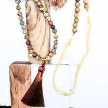 Load image into Gallery viewer, Indian Agate Sandalwood Mala