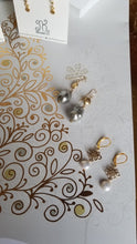 Load image into Gallery viewer, Pearl Delights (White Freshwater Pearl Sticks & Gold & Gray Baroque)