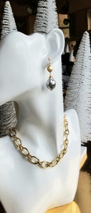 Pearl Delights (White Freshwater Pearl Sticks & Gold & Gray Baroque)