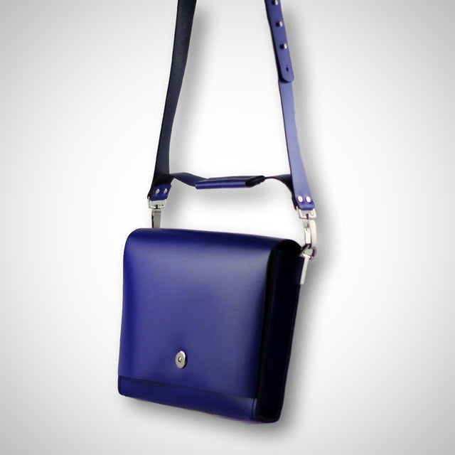 Smooth shoulder bag | indigo