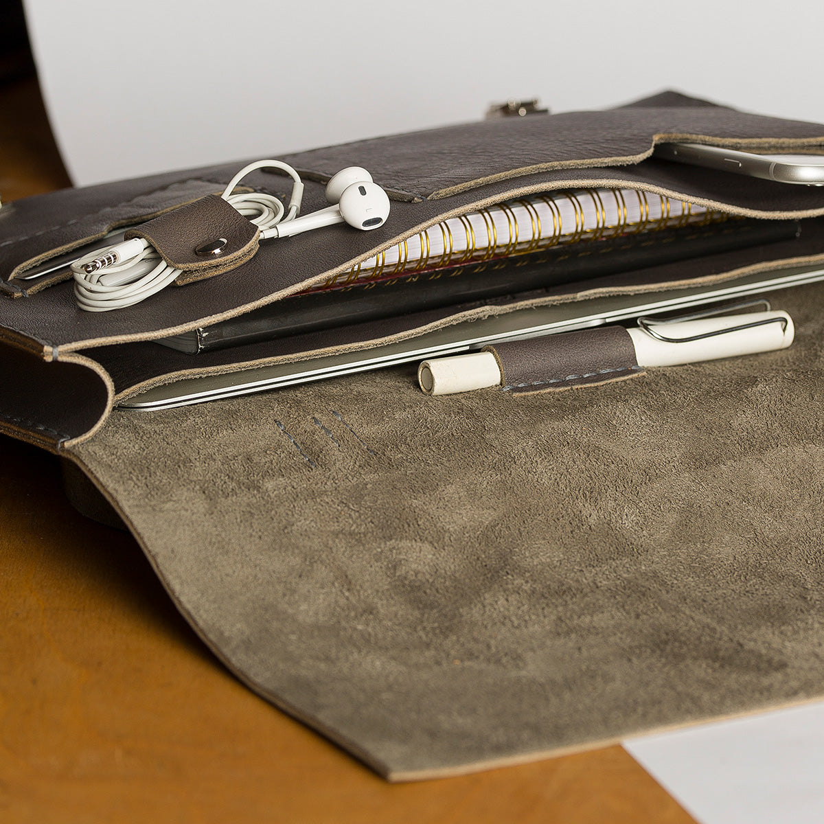 Messenger Bag / Gray