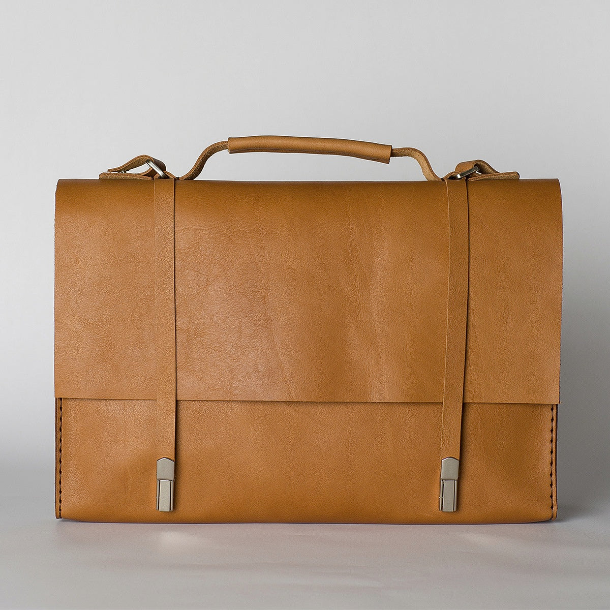 Messenger Bag / Tan