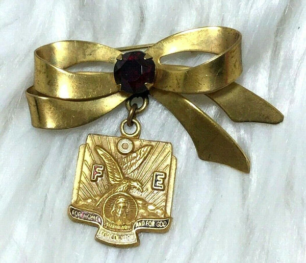 VTG FOE Fraternal Order Eagles Gold Tone Ribbon & Red Rhinestone Pin Brooch D111