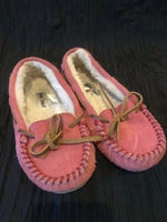 Minnetonka Mocassin Slippers Kids Size 1 Kids Pink Faux Fur lining Shoes A09