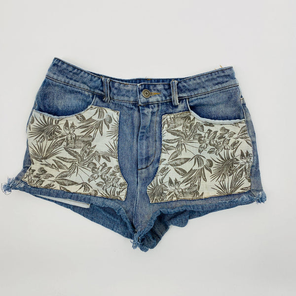 Lunik Denim Shorts SZ SM beige floral front pockets booty shorts