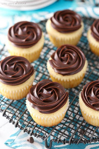 M&M Catering - Mini Chocolate/Vanilla Cupcakes  - 12 count