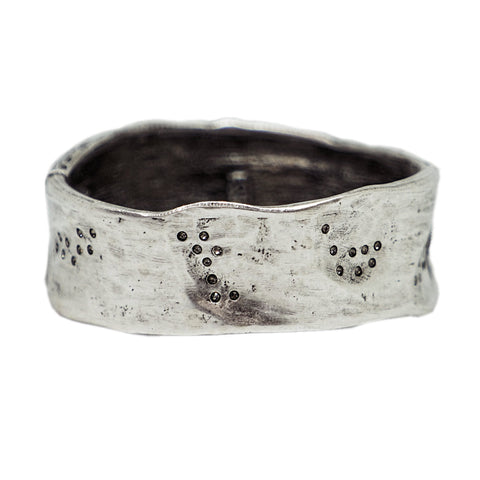 VINTAGE SILVER WIDE IMPRESSION BANGLE