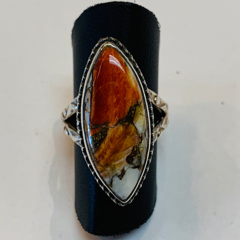 Spiny Oyster Oval Ring