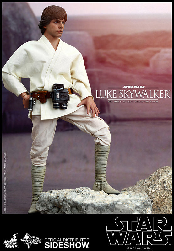 HOT TOYS STAR WARS - LUKE SKYWALKER (A NEW HOPE) 12 IN FIGURE