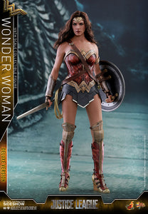 HOT TOYS JUSTICE LEAGUE - WONDER WOMAN DELUXE 12 IN FIGURE