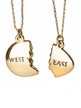 The Great Gatsby - East and West Egg: Gold necklace