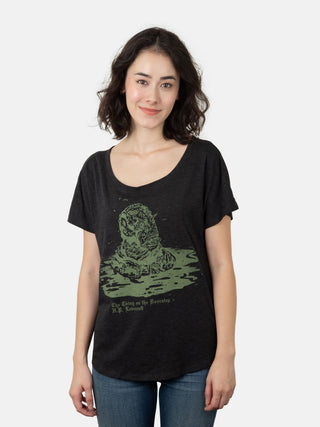 The Thing on the Doorstep: Penguin Horror Women's Relaxed Fit T-Shirt