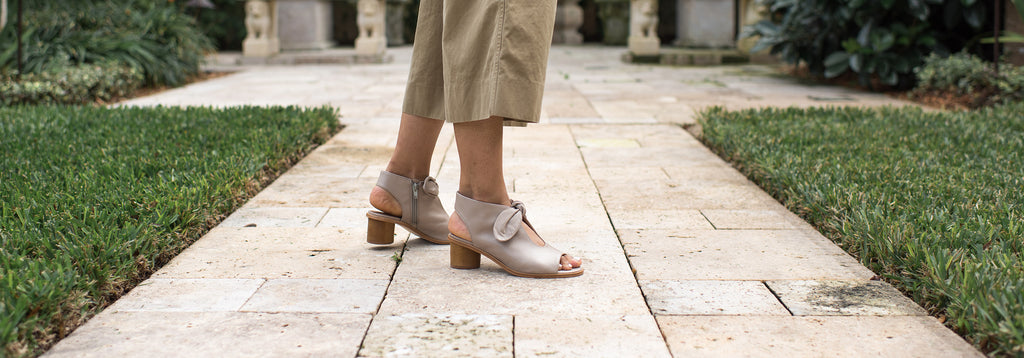 Bernardo Luna clay leather sandals
