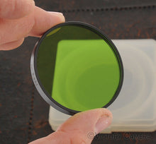 Load image into Gallery viewer, Leitz Leica Wetzlar Series VII Green GGr Drop in Filter (064-5)