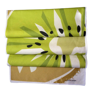Kiwi table runner with 4 folds