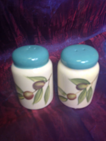 Cypress Haindpainted Ceramic Salt & Pepper Shakers Taste of Italy Olive design