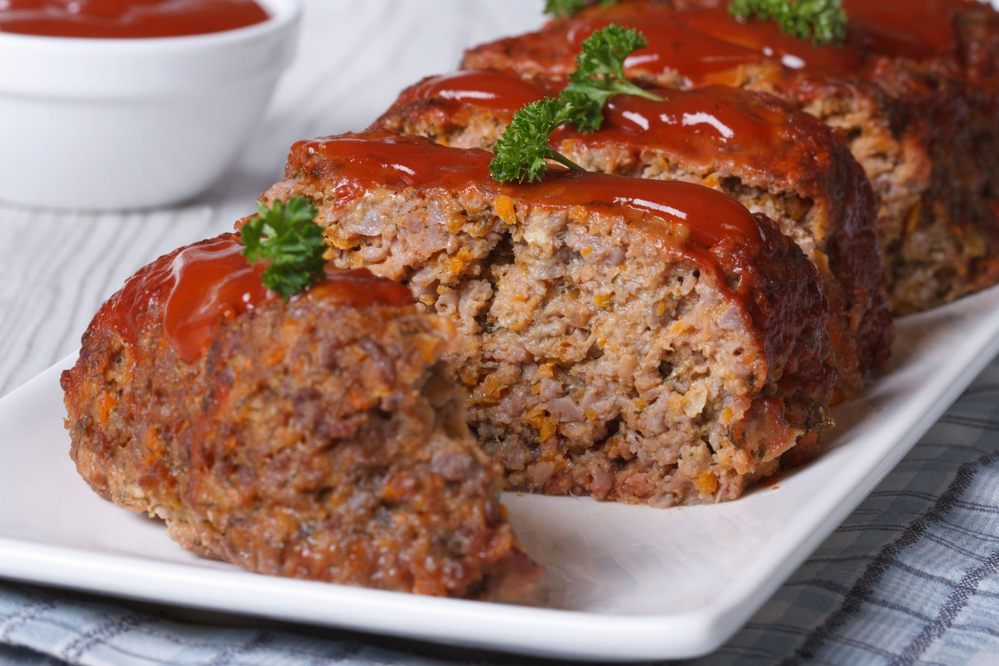 Sysco Reliance Frozen Old Fashioned Beef Meatloaf 28 oz Fully Cooked - 12 Pack [$13.75/each]