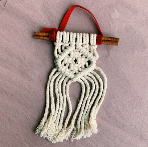 Mini Holiday Macramé Wall Hanging