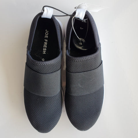JOE FRESH CASUAL SHOE - SIZE 6