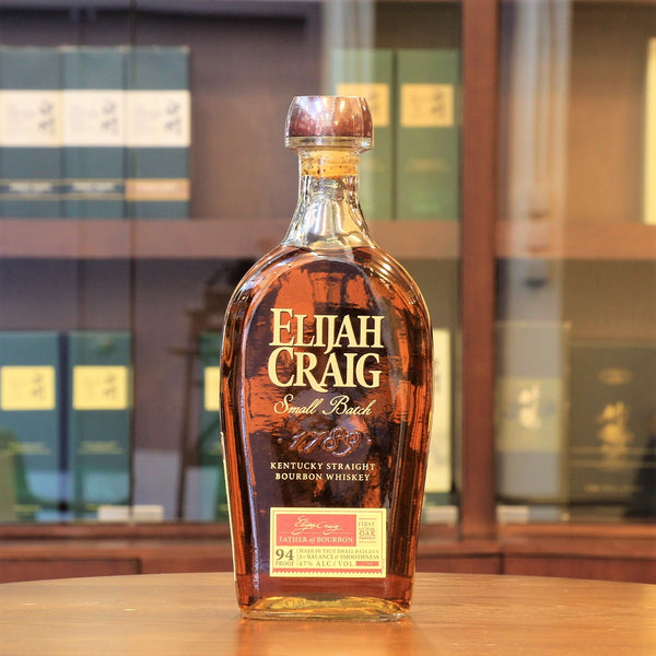Region: Kentucky (USA)  Distillery: Elijah Craig  Age: Nas  ABV: 47%  Size: 750 ml  Elijah Craig is the first distller to age whiskey in new charred oak barrels in 1789. This bourbon whiskey is their signature Small Batch, which is aged in Level 3 charred oak barrels and handcrafted by the Master Distillers.