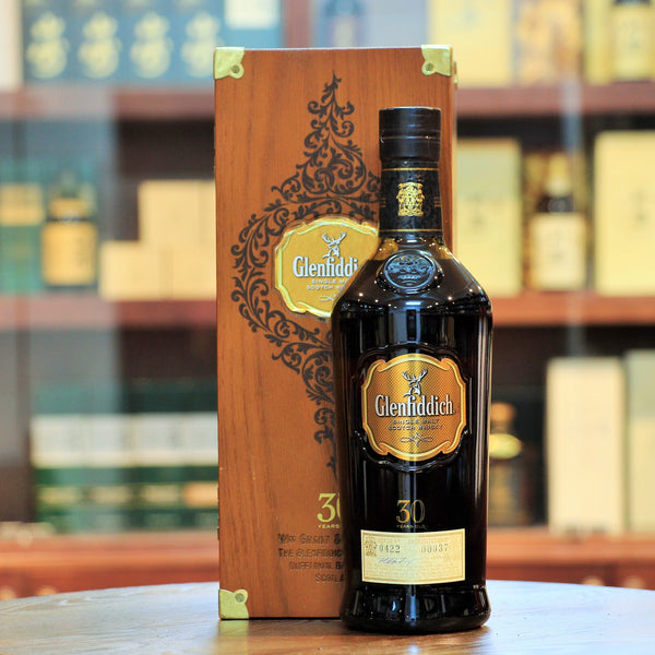 A 2010 release of this award winning release from Glenfiddich. This well aged 30 years single malt comes in a beautiful wooden box.