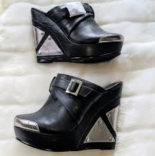Michael Antonio Wedge mule Graphic Black