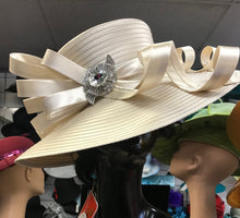 Load image into Gallery viewer, Creme White Ben Marc Hat (SALE ITEM)