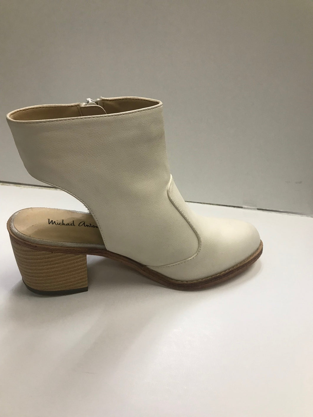 Micheal Angeleno ankle sling boots Cream